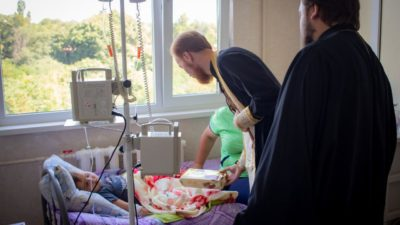 Клирики Одесской епархии посетили онкологическое отделение Одесской областной детской клинической больницы