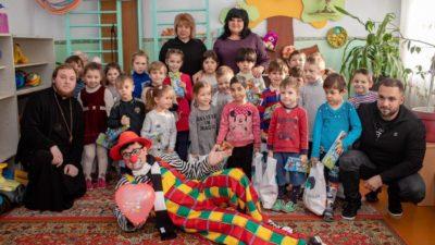 Клирик нашего Свято-Алексеевского храма протоиерей Андрей Полещук посетил детские интернаты области